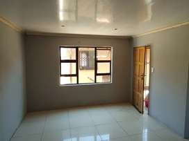 Spacious room to rent in Greenvillage Doornkop Ext 1