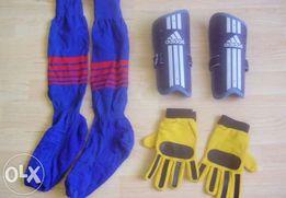 Komplet dla młodego piłkarza (Skarpety, ochraniacze Adidas, rękawice)