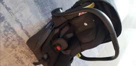 Joie i-Gemm 2 Infant Car seat and Iso-Fix Base