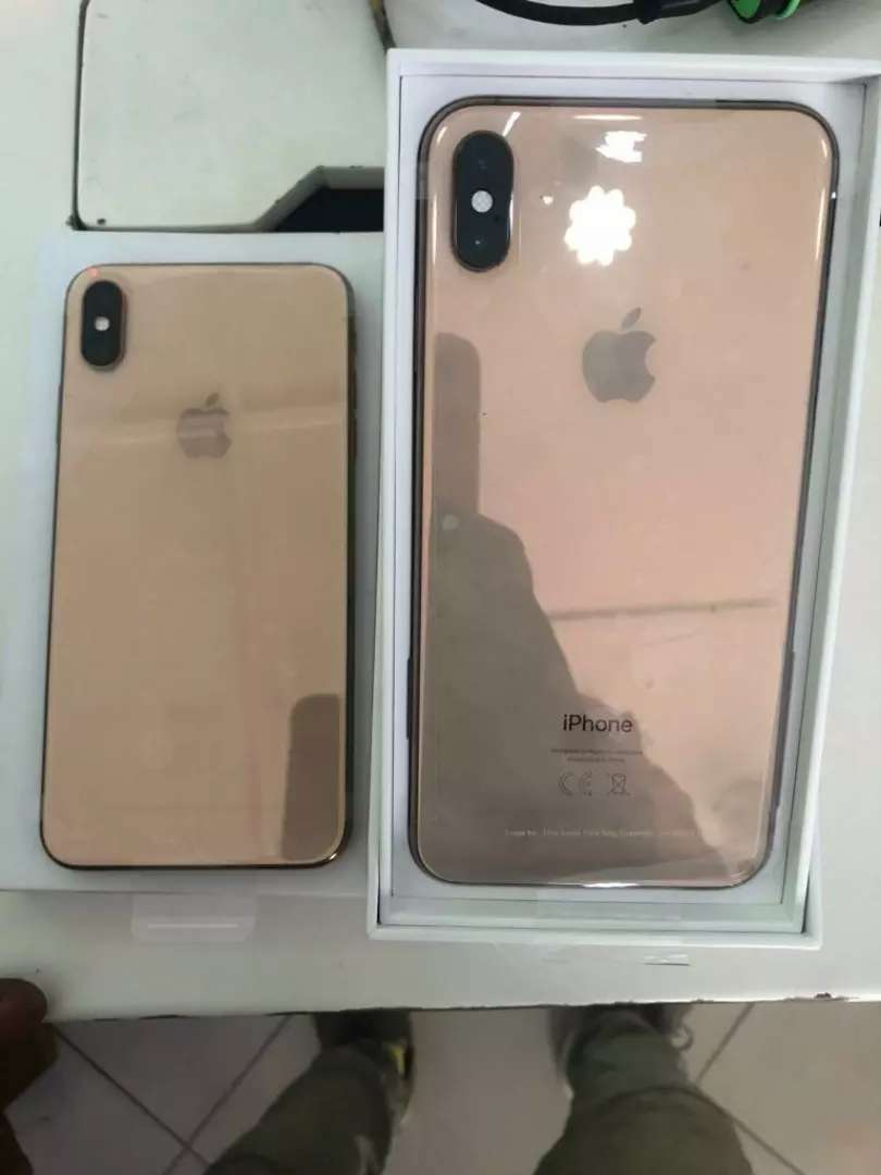 UK USED IPHONE XS MAX (256) 0