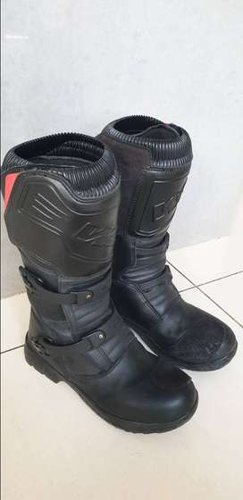 W2 Adventure Boots size 44 (UK 9,5)