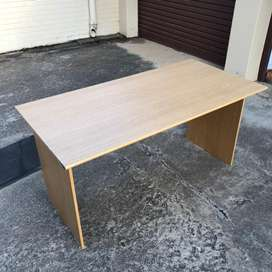 Flat pack office desk - good condition