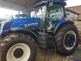 New Holland Tractor T7040