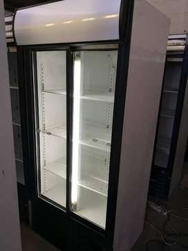 BEVERAGE DISPLAY FRIDGES