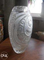 Продаю хрустальную вазу