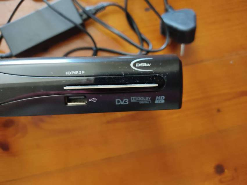 DStv HD PVR2 decoder with remote and cables