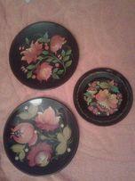 Тарелки декоративная с подлаковой росписью под хохлому
