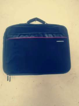 Brand new Laptop carrier bag. Great Deal!