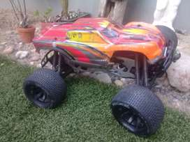 Hpi Savage 1/8 4.1cc RC monster Truck