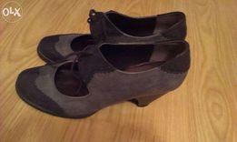 Осенне-весенние кожаные туфли