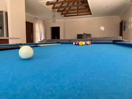 LECTRON POOL TABLE