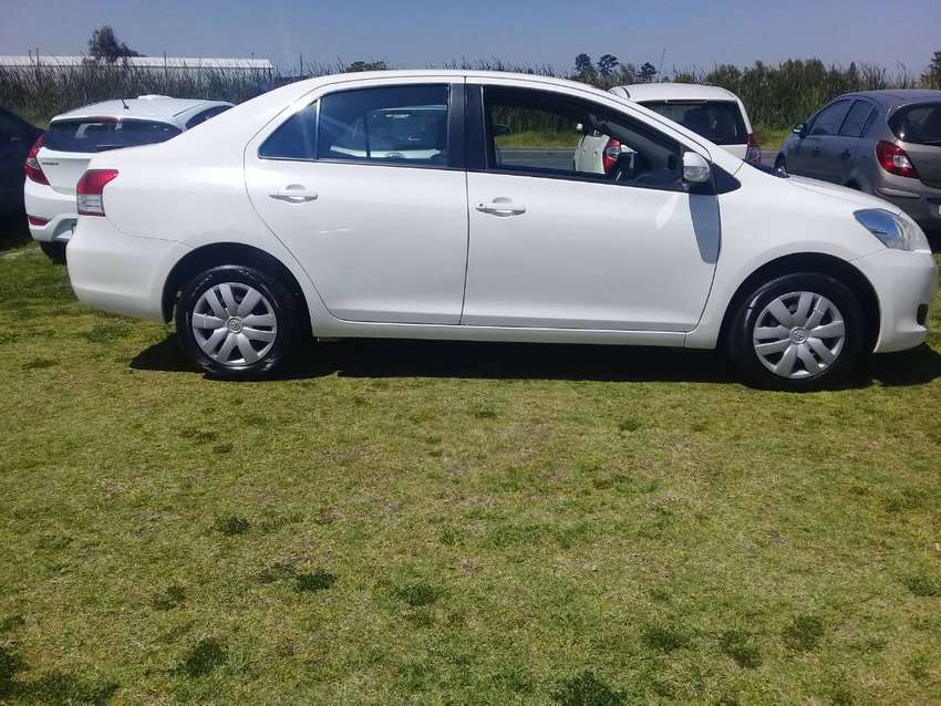 2011 Toyota Yaris Zen 3 Sedan 0