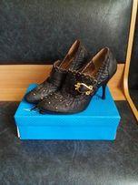 симпатичные женские туфли на каблуке на шпильке кожзам
