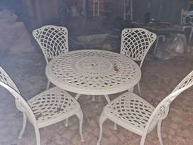Cast alumininium patio set