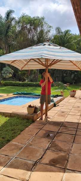 Wooden umbrella 2.7m