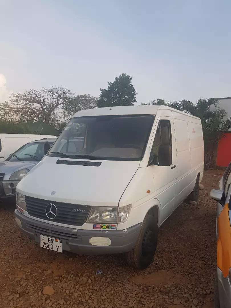 MERCEDES BENZ 208 sprinter van 0