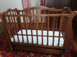 Дитяче ліжечко і матрас