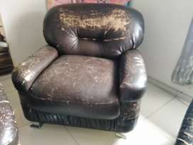 Second hand couch set