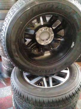 New Toyota fortuna or hilux rim and tyre