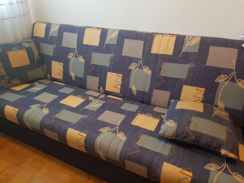 Prodam raztegljiv kavč 200 cm 0