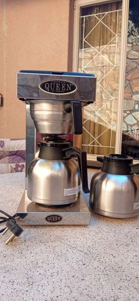 Queen Coffee Maker in perfect condition