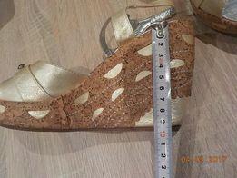 złote sandały klin\koturna 37/38