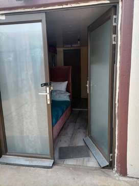 Bachelor flat/room with a toilet and a shower to rent in vanderbijl