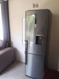 Image of Not selling Looking for fridge Samsung or LG brand