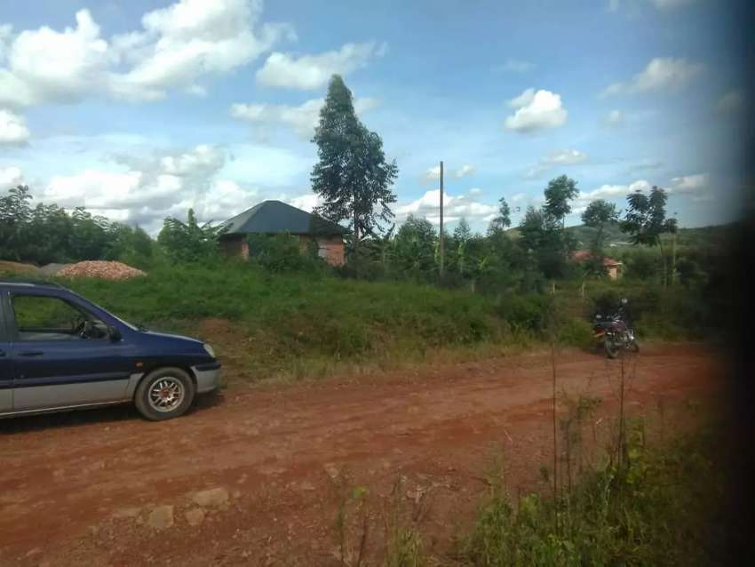 Are you looking for plot near main with private title its here bujjuko 0