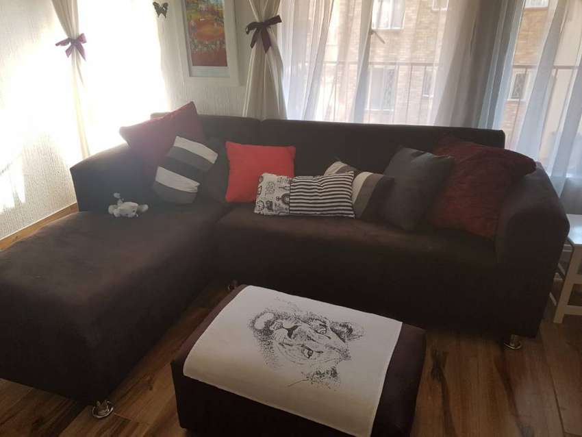 Black couch with ottoman 0
