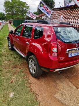 A nice family car.. Renault Duster 2014.. Nice and clean. Start and go