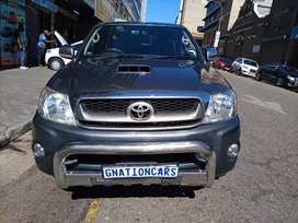 Toyota hilux 3.0 D4D double cab manual 2010 for SELL