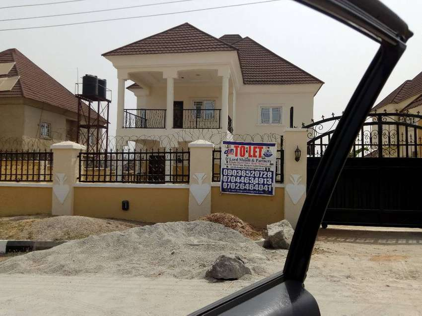 A well finished 4bedroom duplex in a serene estate. 0