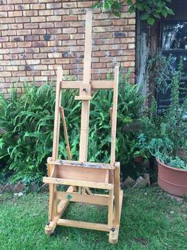 Mabef M18 Large wooden easel.