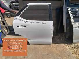 toyota hilux GD6 right rear door