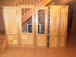 Филенчатые деревянные межкомнатные двери с деревянными наличниками