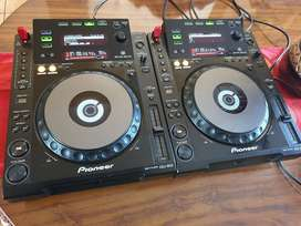Pioneer CDJ 900 pair for sale or swop. Pristine condition
