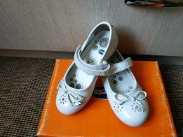 Нарядные туфли chicco 28 р в идеальном состоянии