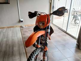 I'm selling a Ktm 300 xcw 2009 bike is in excellent condition