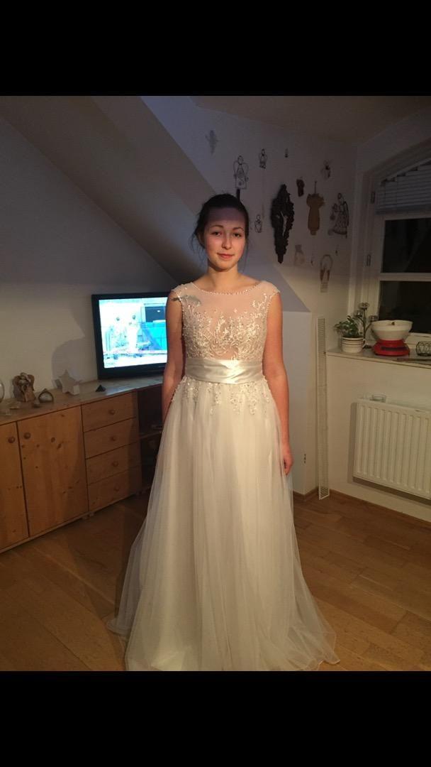 Společenské/svatební šaty 0