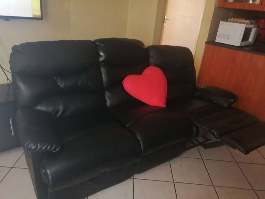 Couch for sale 0