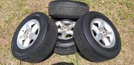 Land rover discovery 2 alloy rims+tires x5