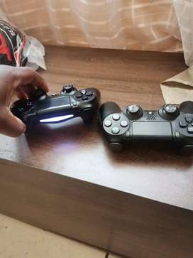 PS4 gaming consoles