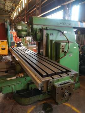 Cincinnati Large Universal Milling Machine for sale