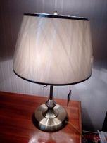 Продам лампу настольную ARTE Италия НОВАЯ в упаковке. З рожка.
