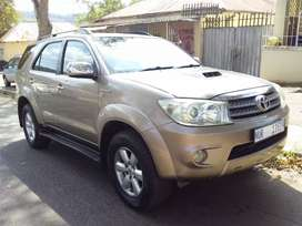 2009 Toyota Fortuner D4D leather seat 4x4
