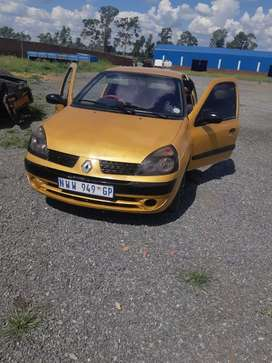 I am selling my renault clio2 daily runner