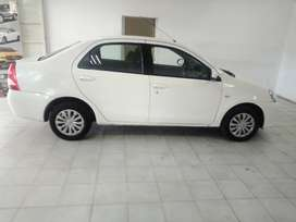 WHITE TOYOTA ETIOS SEDAN 1.5 ENGINE