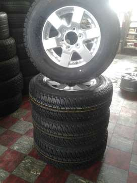 Firestone tyre with Nissan NP300 Rim
