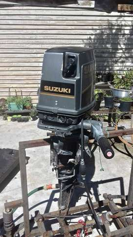 30HP SUZUKI 3 Cylinder oil injection Outboard